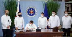 duterte-signs-emergency-subsidy-for-affected-areas-under-ecq