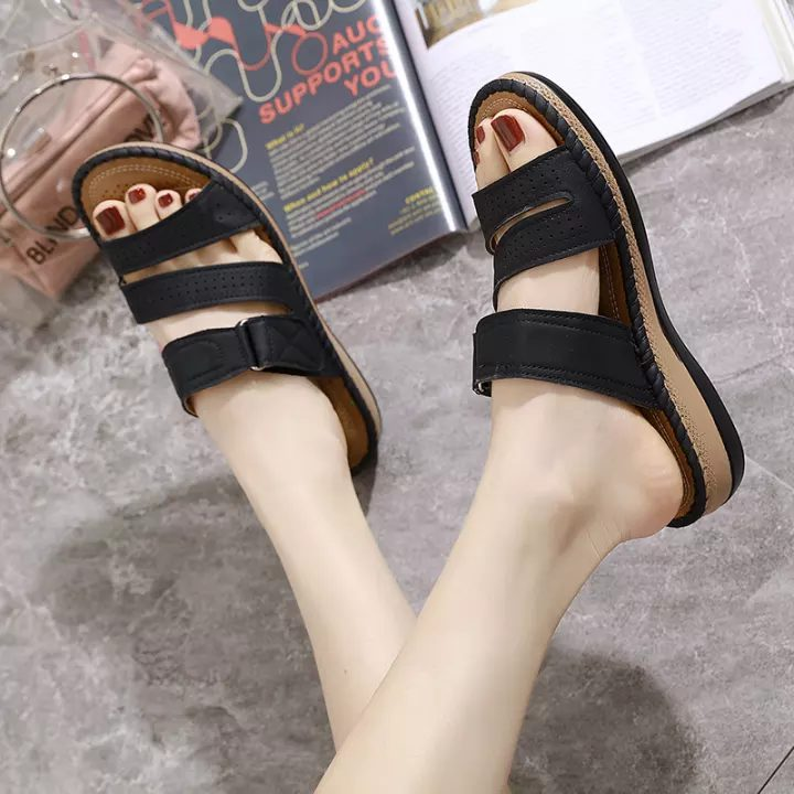 opened-toed-sandals